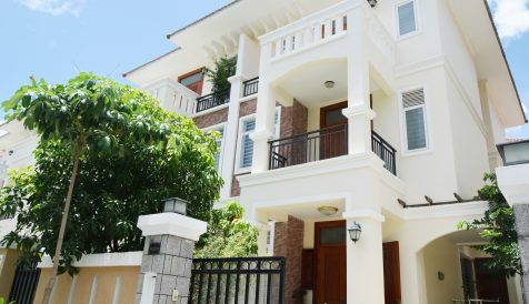 4 Bedroom Villa in Chroy Changvar For Rent Bak Kaeng