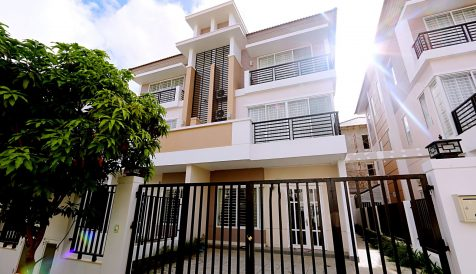 Sen Sok | 4-Bedroom House @ Borey Peng Huoth, Chbar Ampov