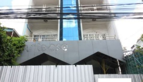 Commercial Shophouse for rent on Monivong Blvd. Boeung Trabek