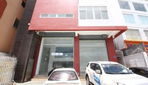 Ground Floor for rent in Toek Thla Area Teuk Thla