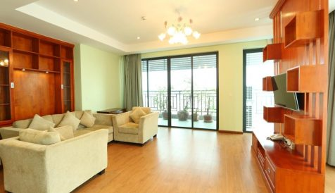 Centrally Located 3-Bedroom Apartment near Russian Market Boeung Tumpun