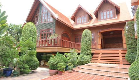 Tonle Bassac | 4-Bedroom Villa for Rent near Russian Market