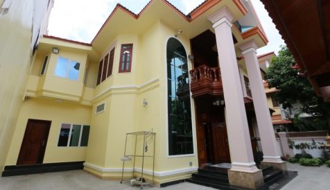Chbar Ampov | Khmer Style Villa for Rent in Chroy Changvar