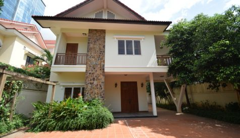 5 Bedrooms Villa near BKK3 Toul Svay Prey 1