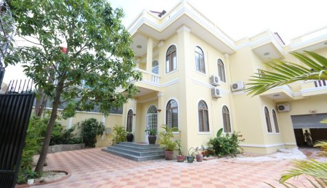 5 Bedrooms Colonial Style with Swimming Pool in Toul Kork Boeung Kak 1