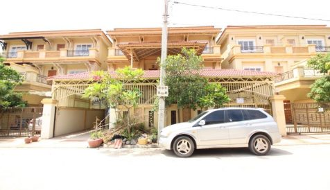 Large 4-Bedroom Villa near Northbridge International School Teuk Thla
