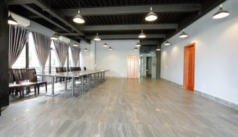 Space Available For Rent On The First Floor in Daun Penh Area Boeung Reang