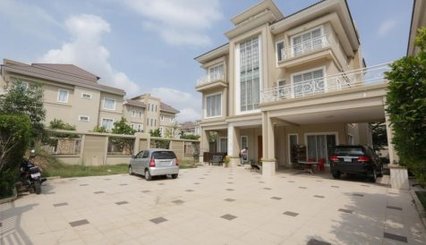 King Villa for sale in Borey New World Samrong Andet III  Phnom Penh Thmey