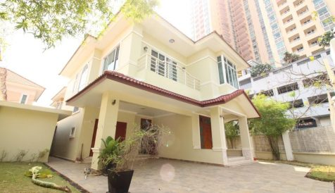 3-Bedroom Villa with Pool in Tonle Bassac Tonle Bassac