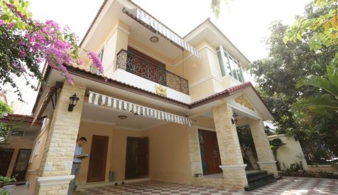 Bright, Modern 3-Bedroom Villa near Aeon Mall Tonle Bassac
