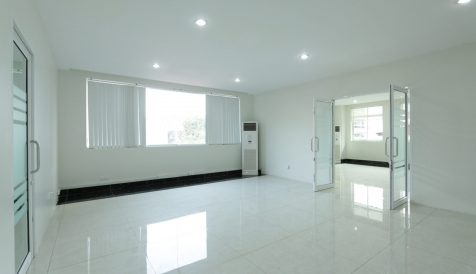 70sqm Office in Toul Svay Prey with Pantry