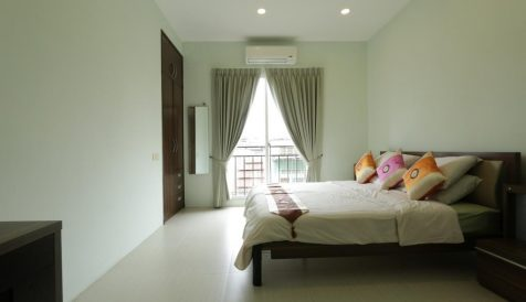 Daun Penh located 1-Bedroom Serviced Apartment Boeung Reang