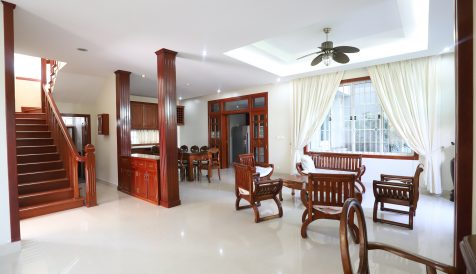 Beautiful 3 Bedrooms Villa Close to Aeon Mall 1 Tonle Bassac