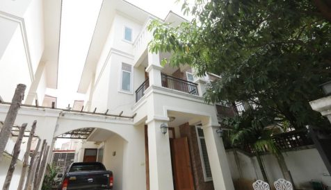 Beautiful 4 bedrooms Twin VillaFor Sale in Grand Chroy Chongvar Chroy Changvar