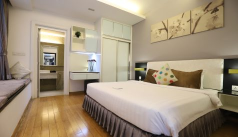 Luxury 3 Bedrooms Serviced Apartment with Bathtub in BKK1