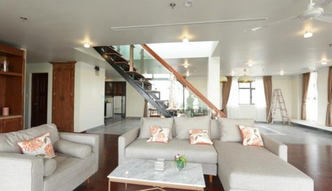 Charming 3 Bedrooms with River View for Rent Voat Phnum