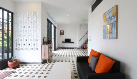 Renovated Western Style Duplex 2 Bedrooms Apartment in BKK2
