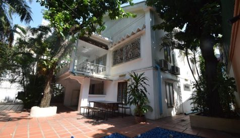 Centrally Located 5-Bedroom Villa with Pool Tonle Bassac