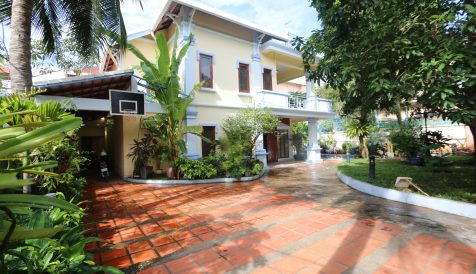 Elegant 6 Bedroom Villa with Swimming Pool for sale in Tonle Bassac Tonle Bassac