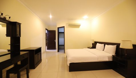 Beautiful Spacious Colonial 3 Bedroom Serviced Apartment In BKK1