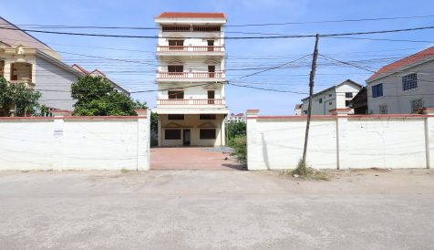 SUBSTANTIAL DOUBLE FRONTED PROPERTY NEAR STREET 271 Stueng Mean chey