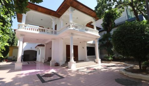 Centrally Located 6-Bedroom Villa for Rent BKK 1