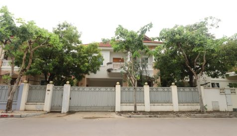 The Beautiful 4 Bedroom Villa with Swimming Pool for Rent in Bassac Garden Tonle Bassac