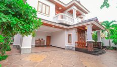 Charming 5 Bedrooms Villa for Rent in Tonle Bassac